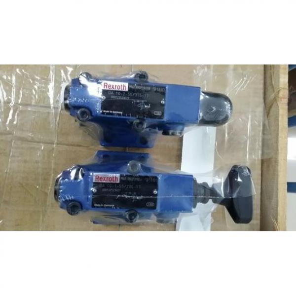 REXROTH 4WE 10 L3X/CG24N9K4 R900599646 Directional spool valves #1 image